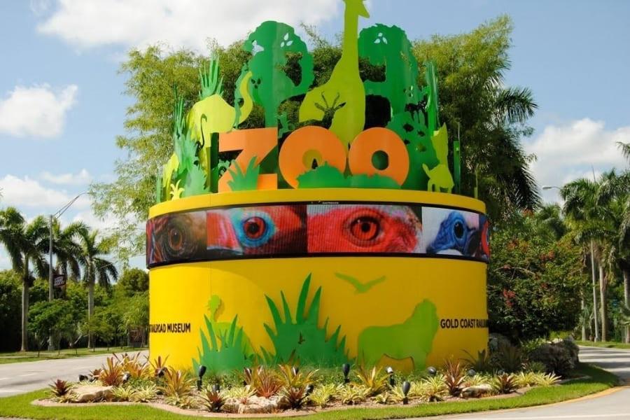Entrance area of the Miami Zoo in Florida